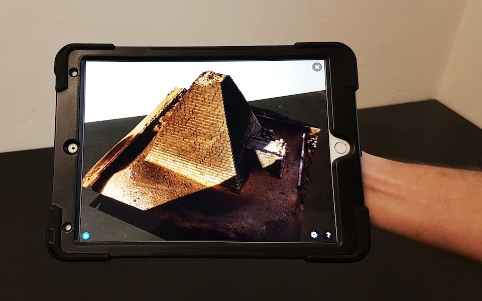 Pyramide_600Br.jpg