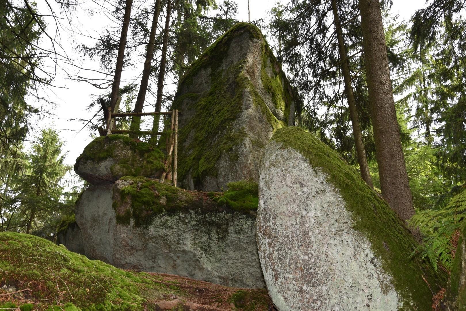 Steiler Felsen.jpg