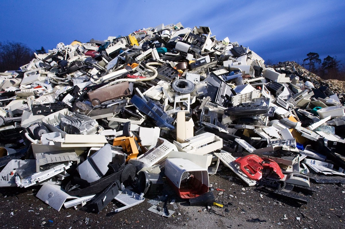 Plastics-from-E-Waste-klein.jpg
