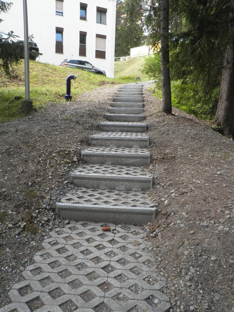 Alpineisen+Rasengittersteine in Arosa