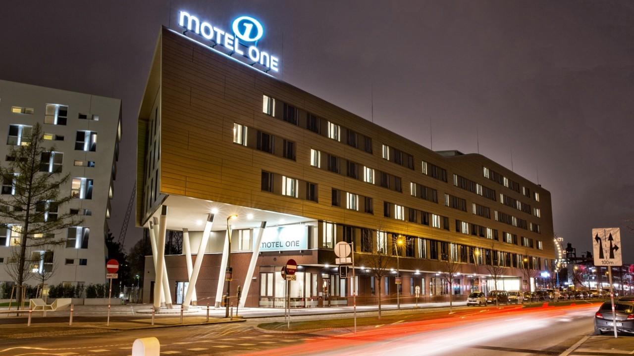 MotelOne2.jpg