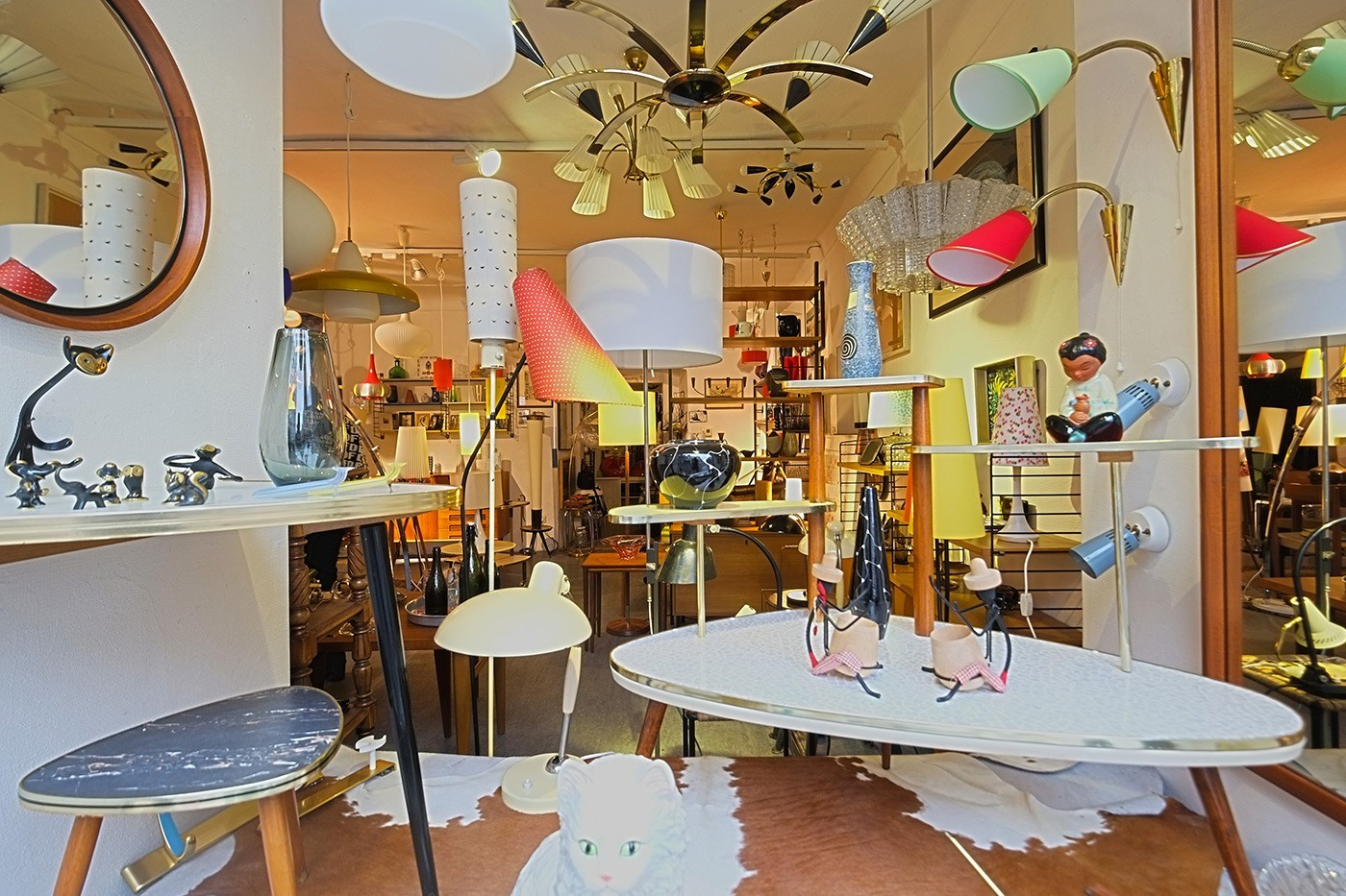 "Shop_""Design-of-the-20th-Century""-Margaretenplatz_1060_roomingrebels.com_01.jpg"